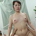 三段腹熟女 中出しファック - 波純子 の画像