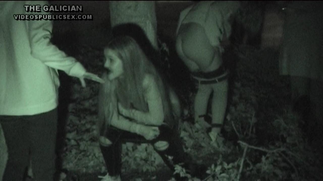 盗流悶 【世界のトイレット事情】ヨーロッパの音楽祭で放尿している女の子をスパイ74 - 出品者:Tecnicomasterの画像